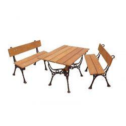Zestaw ogrodowy drewniany z ozdobnymi nogami